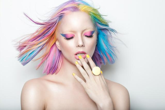 【パーソナルカラーで見つける】本当にわたしに似合うヘアカラーのサムネイル画像