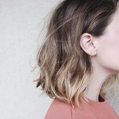 【ボブヘアー必見】26mmと32mmのコテで巻き髪のやり方【可愛く】のサムネイル画像