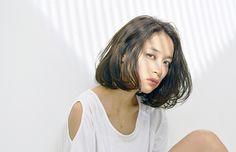 """【最新版】トレンドの髪型!""""ストレートボブ""""のヘアカタログ。のサムネイル画像"""