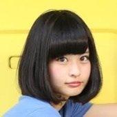 髪型で小顔に変身!丸顔さんにおすすめのミディアムヘアカタログのサムネイル画像