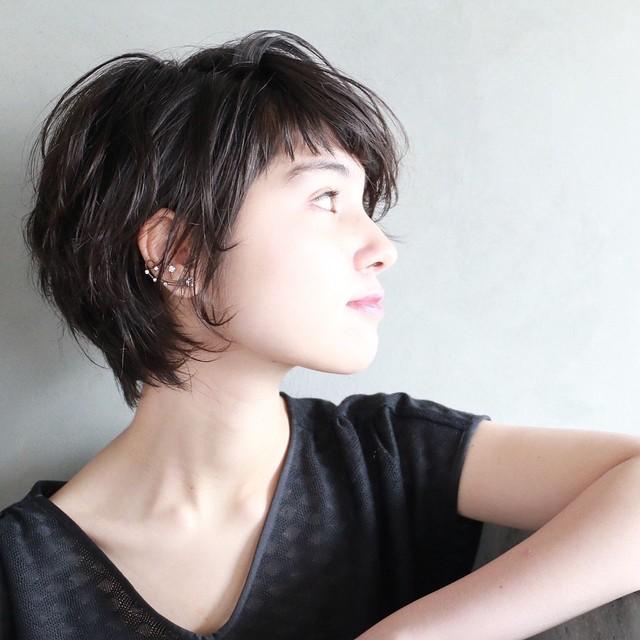 【黒髪版】黒髪ショートヘアもストレートで垢抜けトレンドスタイルにのサムネイル画像