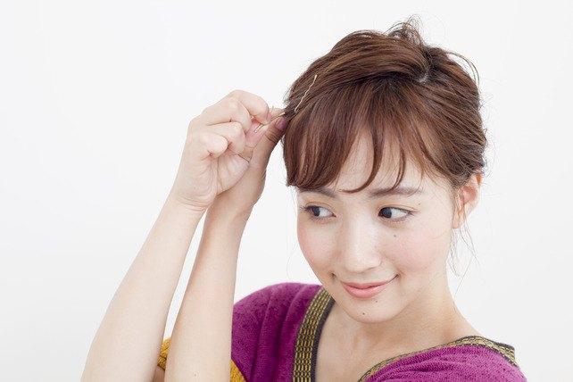 参考になるヘアアレンジで自分の髪を大人可愛いヘアスタイルにのサムネイル画像
