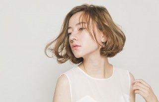 触れたくなる柔らかさ。愛されモテ髪はミルクティーカラーで叶うのサムネイル画像