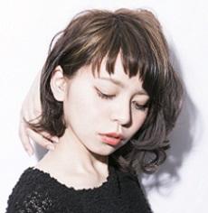 モードでキュートな絶妙バランス!愛されヘアはジグザグ前髪で作る!のサムネイル画像