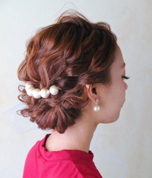 結婚式のお呼ばれに簡単にかわいくなれるヘアーアクセサリーが便利!のサムネイル画像