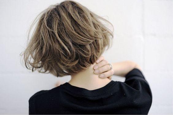 Instagramから学ぶ♡おしゃれな大人女子の最旬ボブ髪形カタログのサムネイル画像