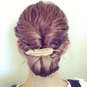 ヘアーアクセサリーのバレッタを使って髪形美人になっちゃおう!のサムネイル画像