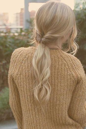 髪型のマンネリ化を脱出⁈くるりんぱアレンジでオシャレに♡のサムネイル画像
