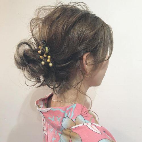 あの子と差をつけて♡浴衣ヘアは古風な《かんざし》で決まり!のサムネイル画像