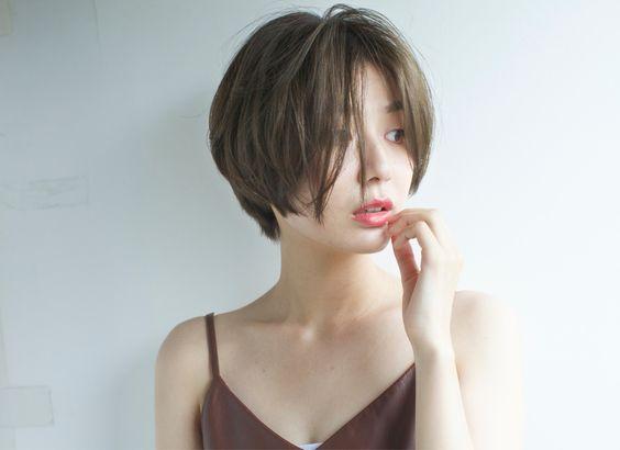 前髪なしで大人っぽく♡魅惑のショートボブでイメチェンしよう‼のサムネイル画像