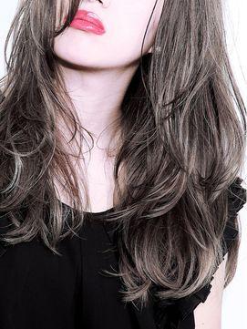 ロングを満喫♡前髪なしの髪型でつくる色っぽロングヘアアレンジ集!のサムネイル画像