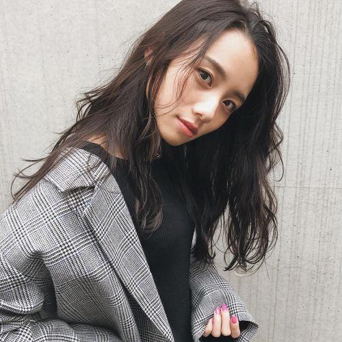 【黒髪】で雰囲気を変えよう!なりたいイメージ別♡黒髪ヘアカタログのサムネイル画像