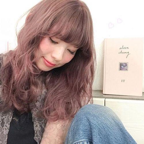 冬はヘアカラーで遊ばなきゃ♡【ラベンダーカラー】で艶ガールに!のサムネイル画像