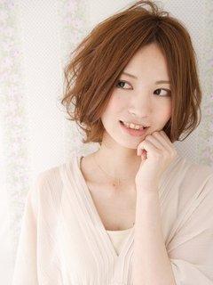かっこいいだけじゃない?女性らしい可愛いショートヘアスタイル!のサムネイル画像