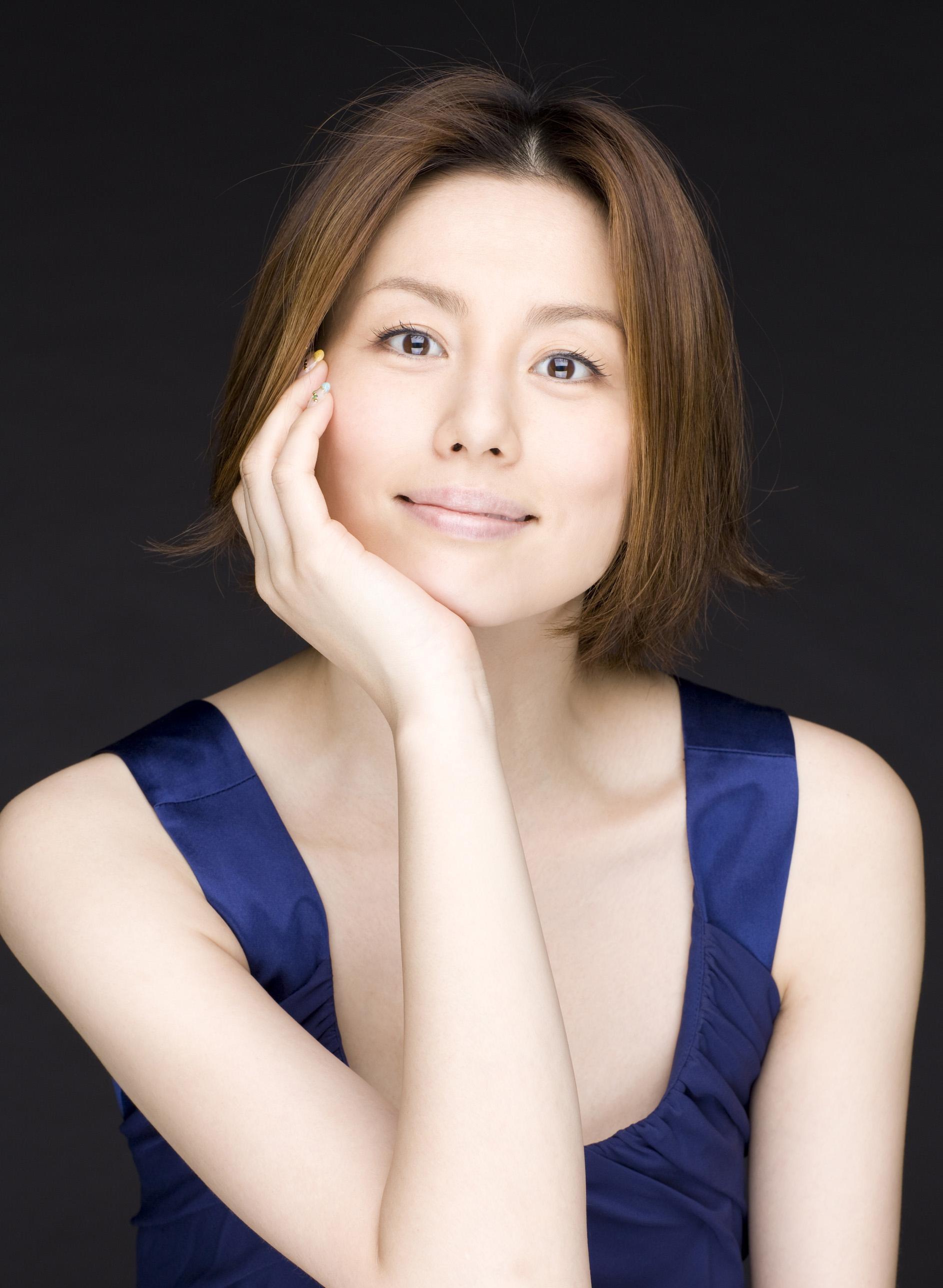 ドクターX主演!米倉涼子さんの素敵なショートヘア画像を公開!のサムネイル画像