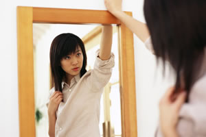 ショートヘアの似合う魅力的な女性に!似合うものアレコレ大調査☆のサムネイル画像