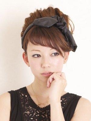 ヘアバンドを使って可愛い髪型にしよう♡ヘアバンド特集です♡のサムネイル画像