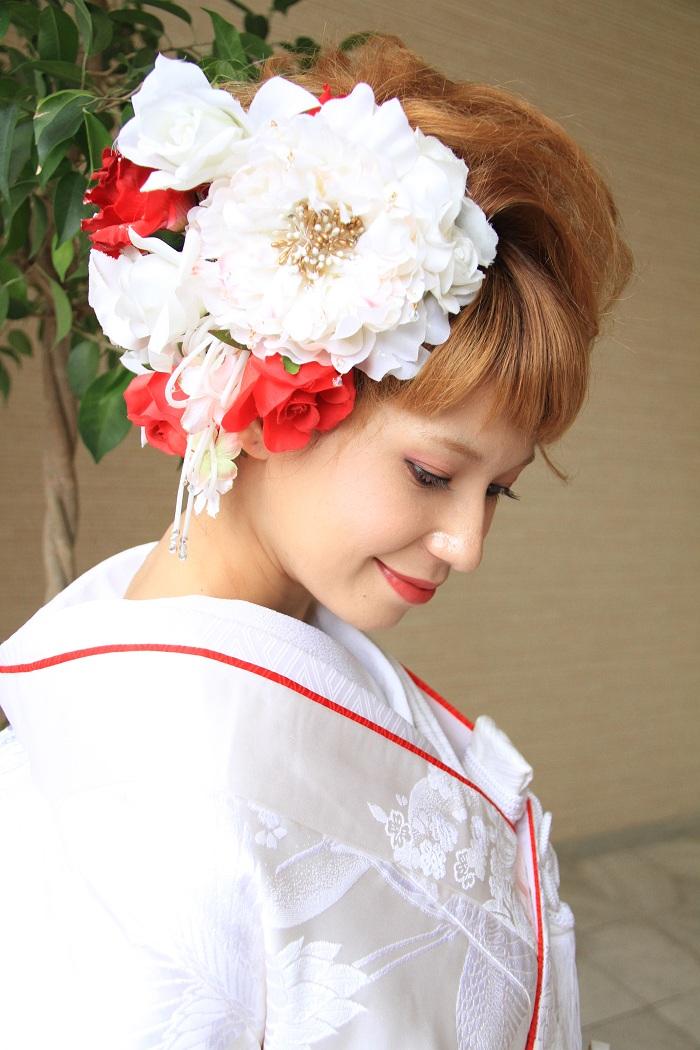 洋髪から今風の可愛い日本髪まで白無垢のオシャレな髪型を大特集!のサムネイル画像