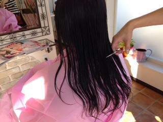 ロングヘアをバッサリ!イメチェンしておしゃれをもっと楽しもう!のサムネイル画像