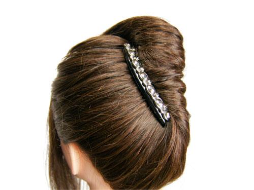 どんなスタイルも簡単なコームを使った可愛いヘアアレンジ方法!のサムネイル画像
