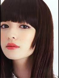 前髪カットでイメチェン!カット方法で印象もガラリと変わるのサムネイル画像