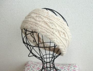 とってもオシャレなヘアバンドの編み方とヘアバンドのアレンジ画像のサムネイル画像