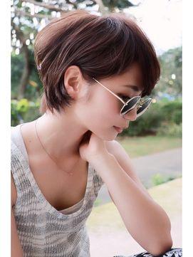 すぐマネしたくなる!耳かけショートヘアが今年のトレンド♡のサムネイル画像