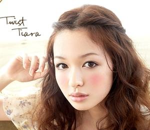 前髪を伸ばしたい人に!前髪のアレンジ方法で前髪を伸ばそう!のサムネイル画像