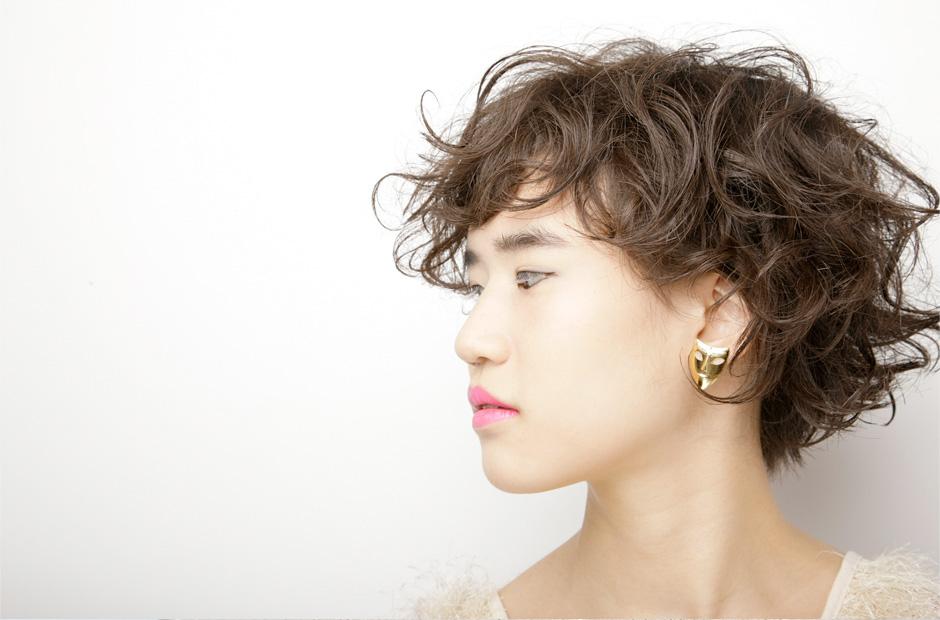 ショートヘアスタイルで魅せる!女性の憧れ【小顔】スタイルのサムネイル画像