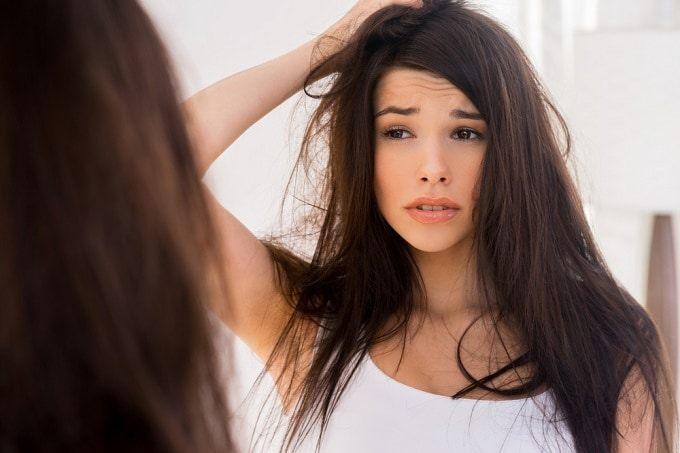 いつまでも若々しく美しい髪でいるために原因を知って白髪対策をのサムネイル画像