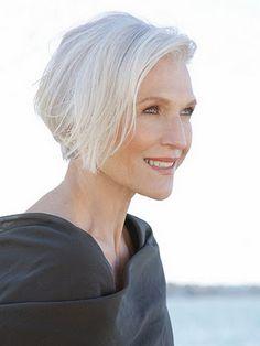 おしゃれを邪魔する白髪の悩みを解消。口コミで話題の優秀な白髪染めのサムネイル画像