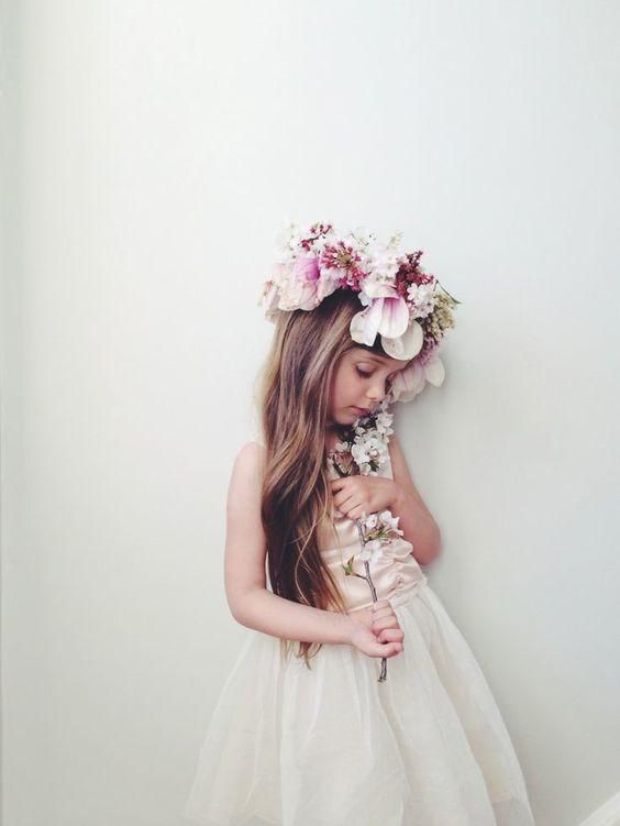 結婚式やフェスに♪可愛い花冠にあう素敵なヘアスタイル集めました♡のサムネイル画像