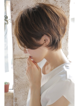 丸顔さん必見!?迷った時のヘアスタイル☆自分に合うボブとは?のサムネイル画像