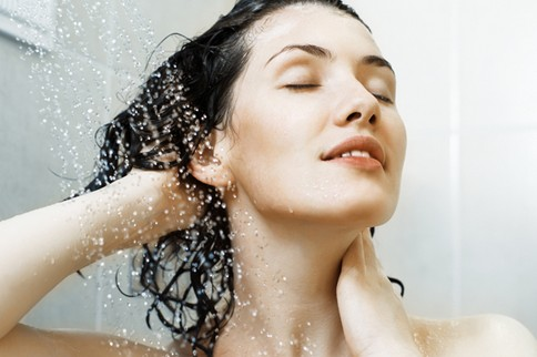 薄毛が気になり始めた女性に!育毛シャンプーを紹介します!!のサムネイル画像
