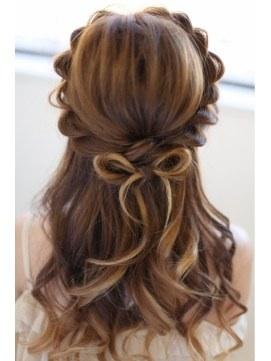 髪の毛をおしゃれにアレンジして毎日を楽しくウキウキ過ごそう♡のサムネイル画像