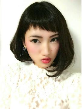 不揃いなラフ感が可愛い☆最新ボブは【前髪アシンメトリー】がキテる!のサムネイル画像