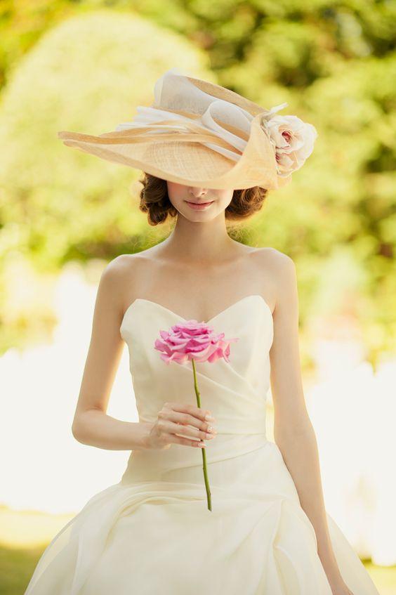 未来の花嫁さんたちへ♡洋装・和装の【髪飾り】まとめ&画像集のサムネイル画像