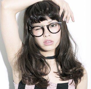 色白効果も期待できる!髪色ダークアッシュで透明感をGET♡のサムネイル画像
