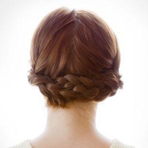 髪をアップして普段のお出かけからお呼ばれまでアレンジしましょう♡のサムネイル画像