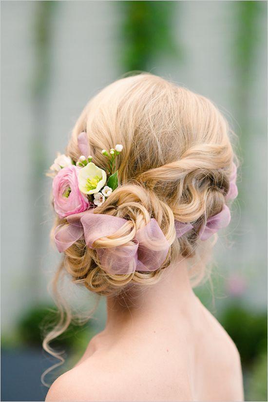 ミディアムの方必見!結婚式にぴったりなヘアアレンジ特集をご紹介のサムネイル画像