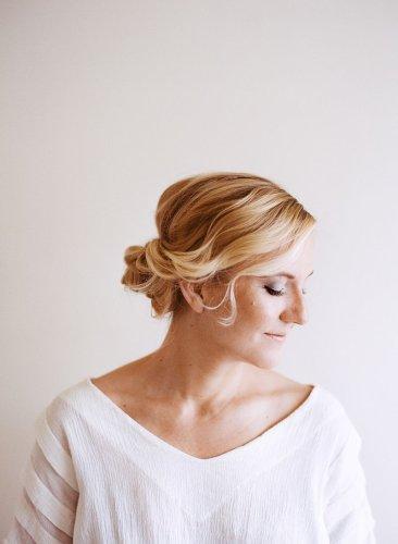 可愛さ満点♡ロングヘアをアップにしてヘアアレンジしよう♡のサムネイル画像