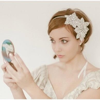結婚式でのバレッタの使い方!マナーあるバレッタを選ぼう!のサムネイル画像