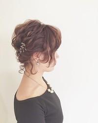 ショートヘアだって華やかなアップスタイル風にしたい!出来ます!のサムネイル画像