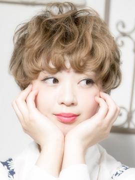 可愛すぎる!愛されモテヘア☆ベリーショートのパーマに夢中!のサムネイル画像