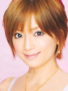 とっても可愛い!浜崎あゆみさんのショートヘアを集めてみました!のサムネイル画像