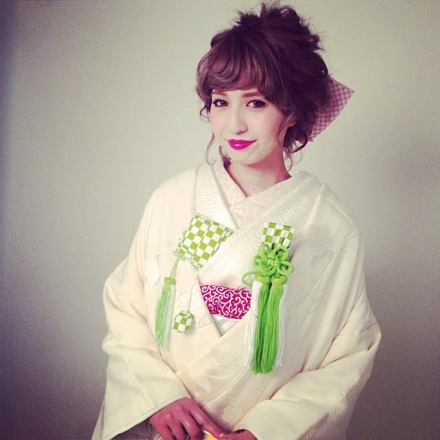 プレ花嫁必見!白無垢・色打掛をおしゃれに!和装に合う髪型画像集!のサムネイル画像