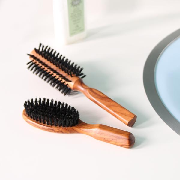 【洗い方】あなたのヘアブラシ人に見せられる状態?汚れがヤバいかものサムネイル画像
