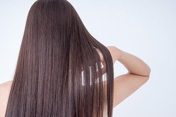 印象ダウンな危険要素!意外と知られていない薄い髪の毛についてのサムネイル画像