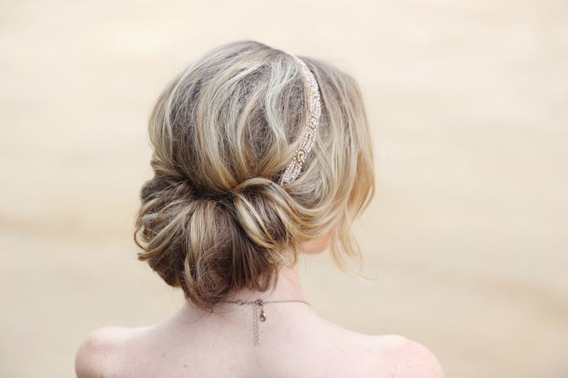 ロングヘアでの髪の毛のアレンジを紹介♪この機会に挑戦してみよう♪のサムネイル画像
