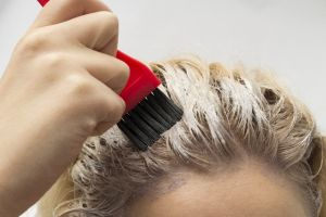 【女性必見!】市販の髪染めならこれ!おすすめのヘアカラーとはのサムネイル画像
